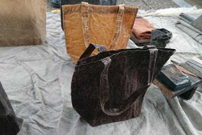 柿渋のバッグ