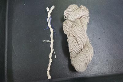 カセ糸をひねる練習