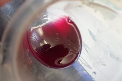 酢酸を入れたブドウ染液