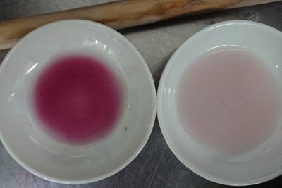 ブドウの皮の1番液と2番液の色