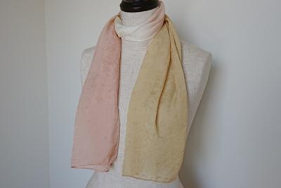クヌギとザクロ染めのシルクスカーフ