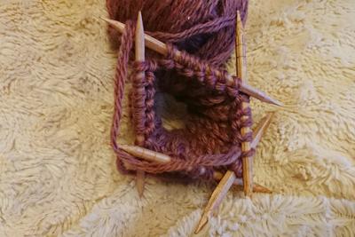 輪編みするための編み棒