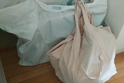 手創り市の販売品を入れたバッグ