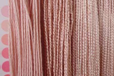 桜染めの糸の色