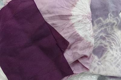 紫根染めのフクサ