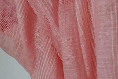 シルクの桜染めの色