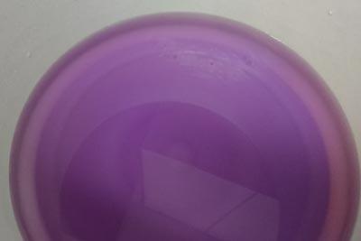 媒染後の媒染液の色