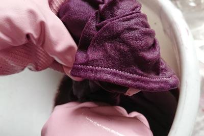 市販の服の糸の部分