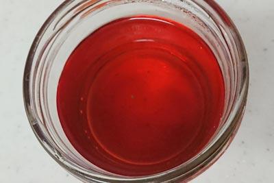 赤くなった染液