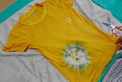 絞り染めのTシャツ