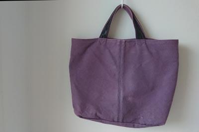 紫のハンプバック