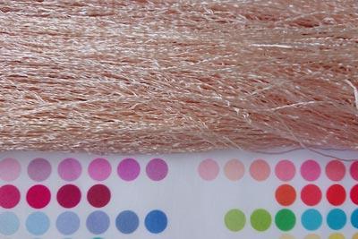 アボカド染めのシルク糸
