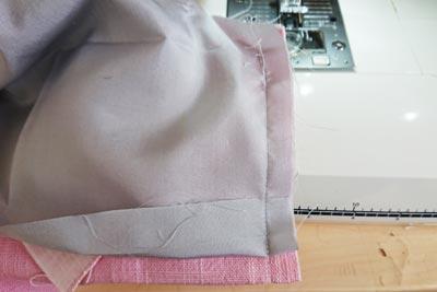 ベンツ部分の裾を縫う