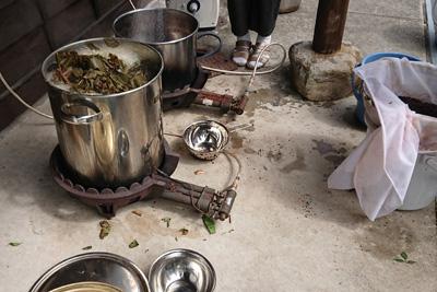 染液抽出の鍋
