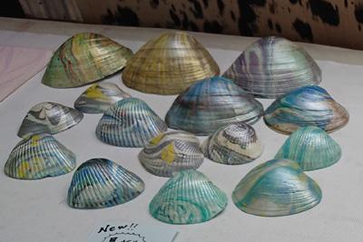 墨流し染めの貝殻