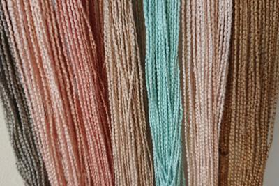 どんぐり染めなどのシルク糸
