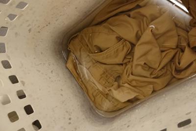ズボンの鉄媒染