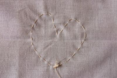 ハート柄を縫う