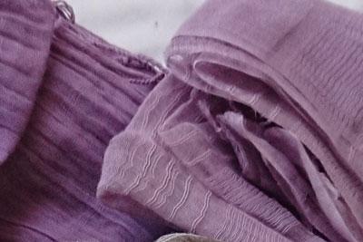 紫根染めストール