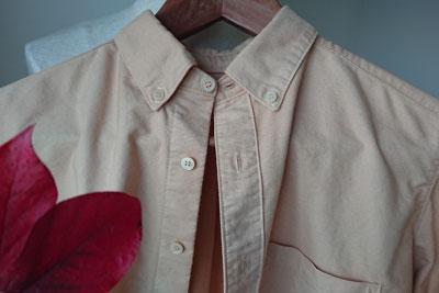 ブルーベリーの紅葉染め木綿シャツ
