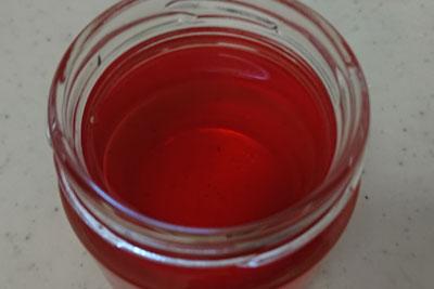 椿の染液二番液