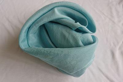 藍の生葉染め空色シルク