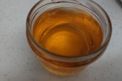 ベニカナメモチ染液1番液の色