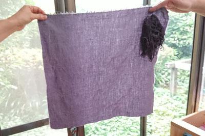 五倍子で染めた麻布と綿糸