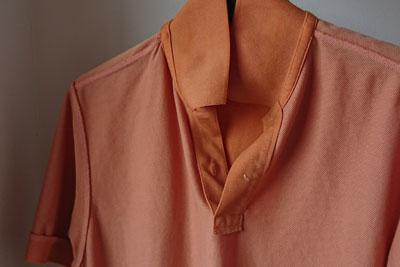 ポロシャツの裏側の色