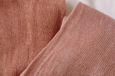 ミョウバン媒染と椿灰媒染の色