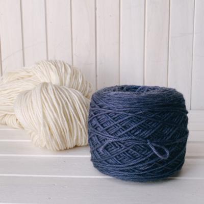 クチナシブルーとログウッド染め毛糸