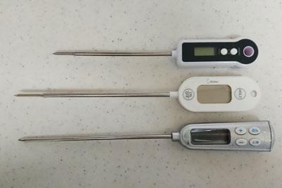 デジタル温度計の柄の長さ比較