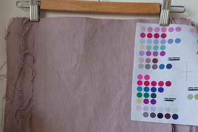 乾燥後の帆布の色