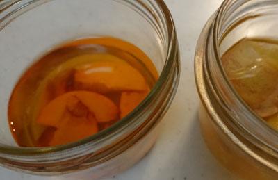 アボカドの種入り緑茶液