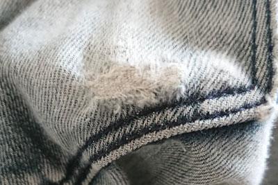 修理後のポケットの穴