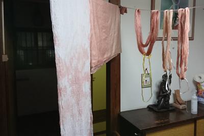 桜染めの布や糸