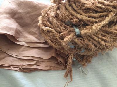 モッコク染めシルク布とシルク糸