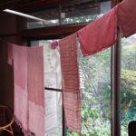 剪定枝で染めた布小物