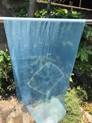 藍の生葉染めシルクシフォンストール
